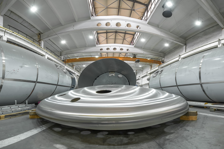 Oprawy przemysłowe Highbay w zakłądzie produkcyjnym firmy Schwarte Milfor - Luxon LED