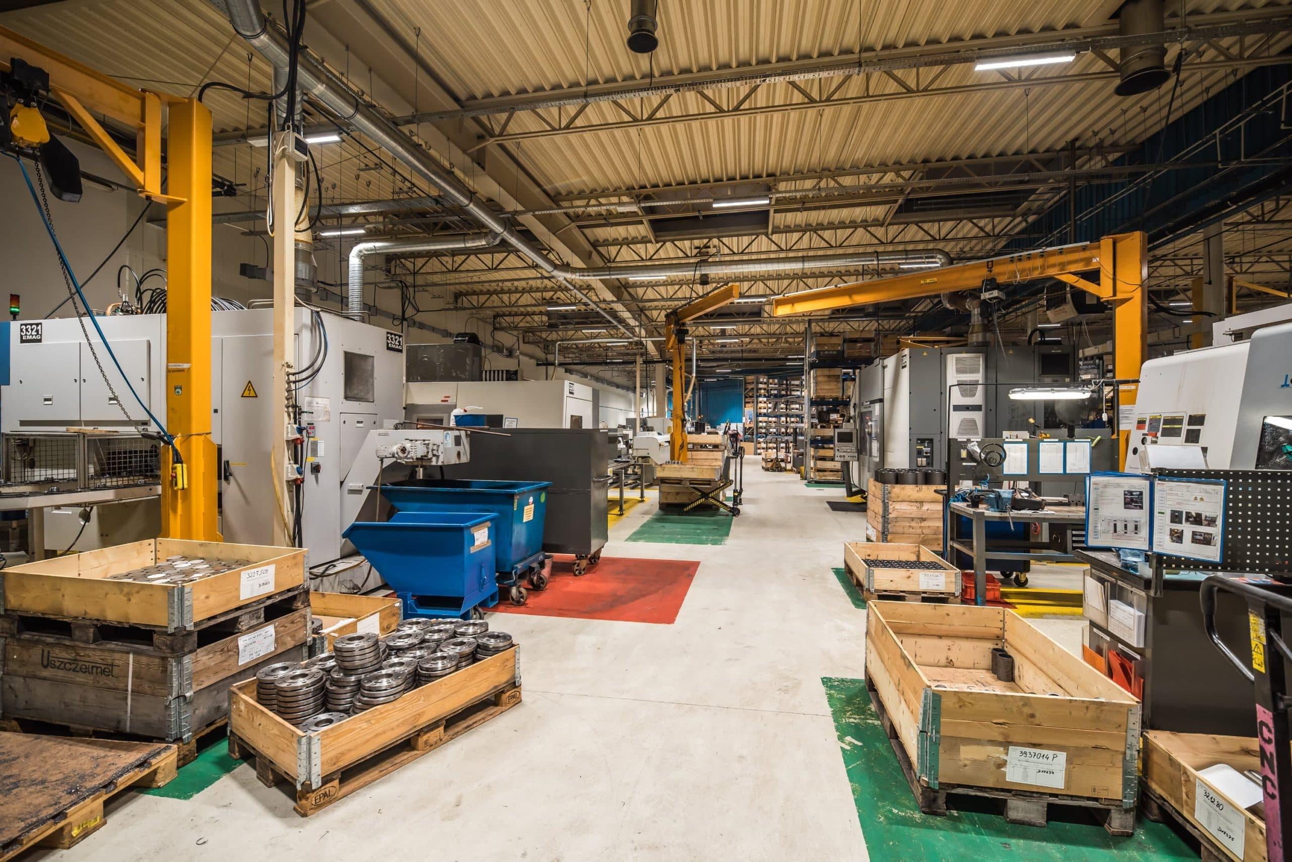 Zmodernizowana hala produkcyjna firmy Broen - Luxon LED