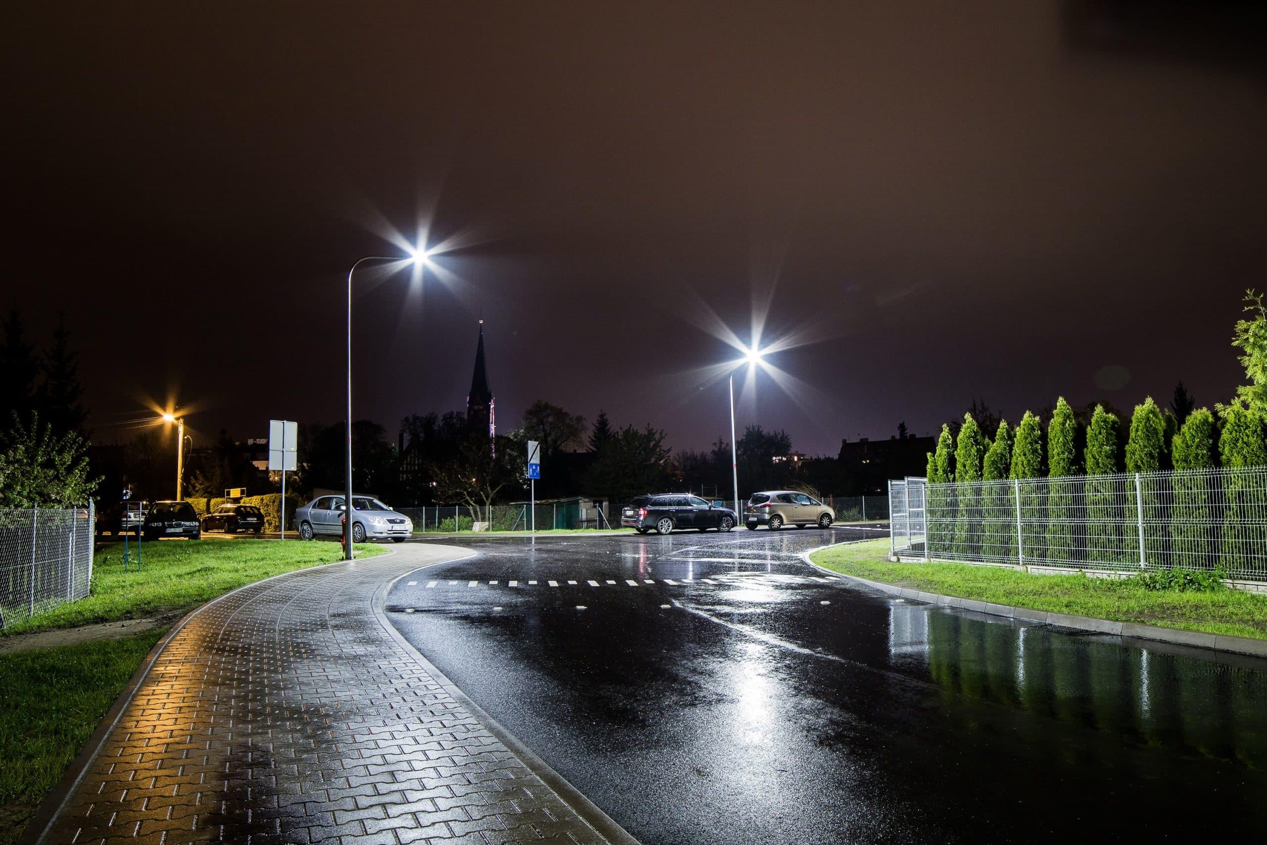 Oprawy uliczne Cordoba na drodze we Wrocławiu - Luxon LED