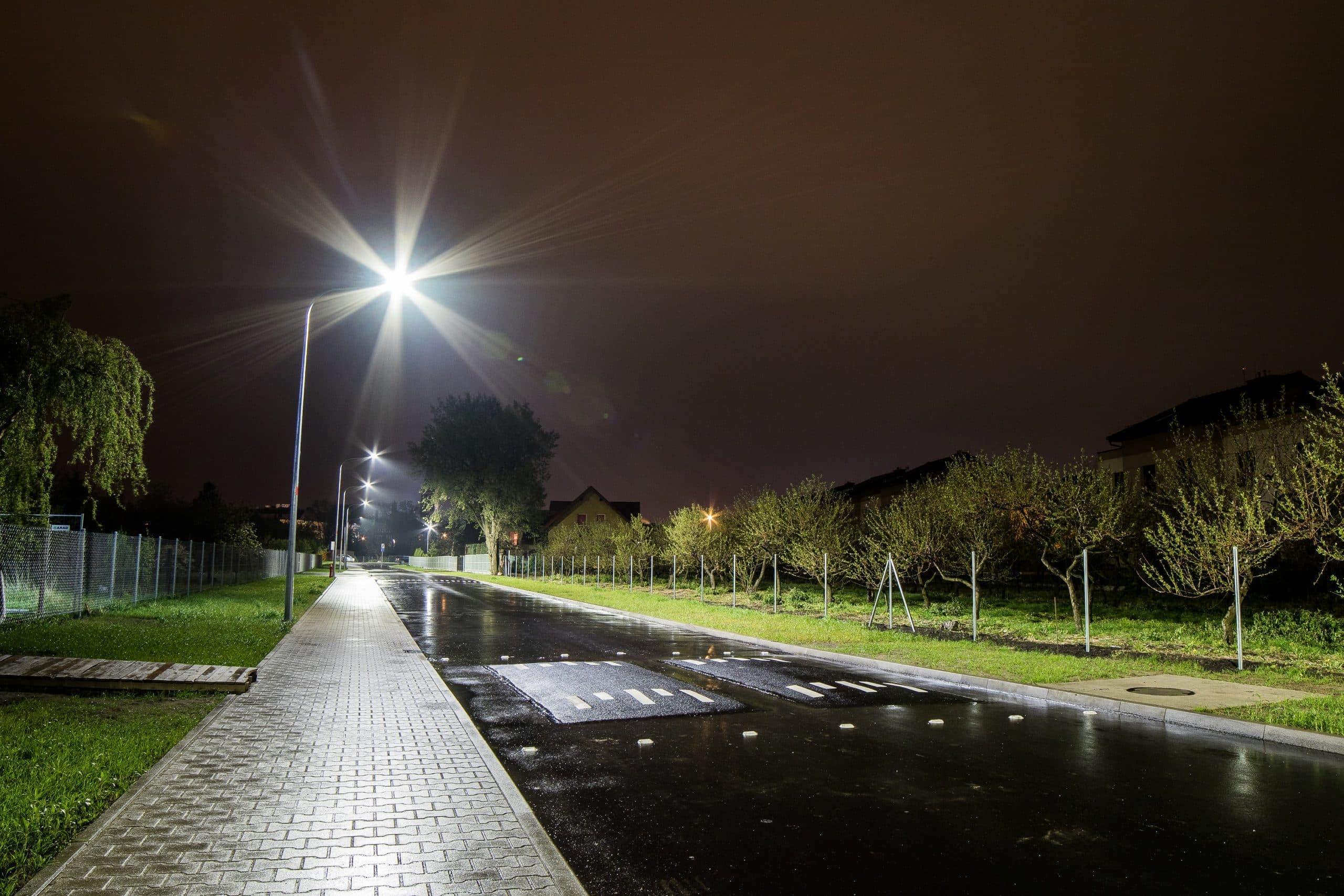 Oprawy uliczne Cordoba przy ulicy Buraczanej we Wrocławiu - Luxon LED
