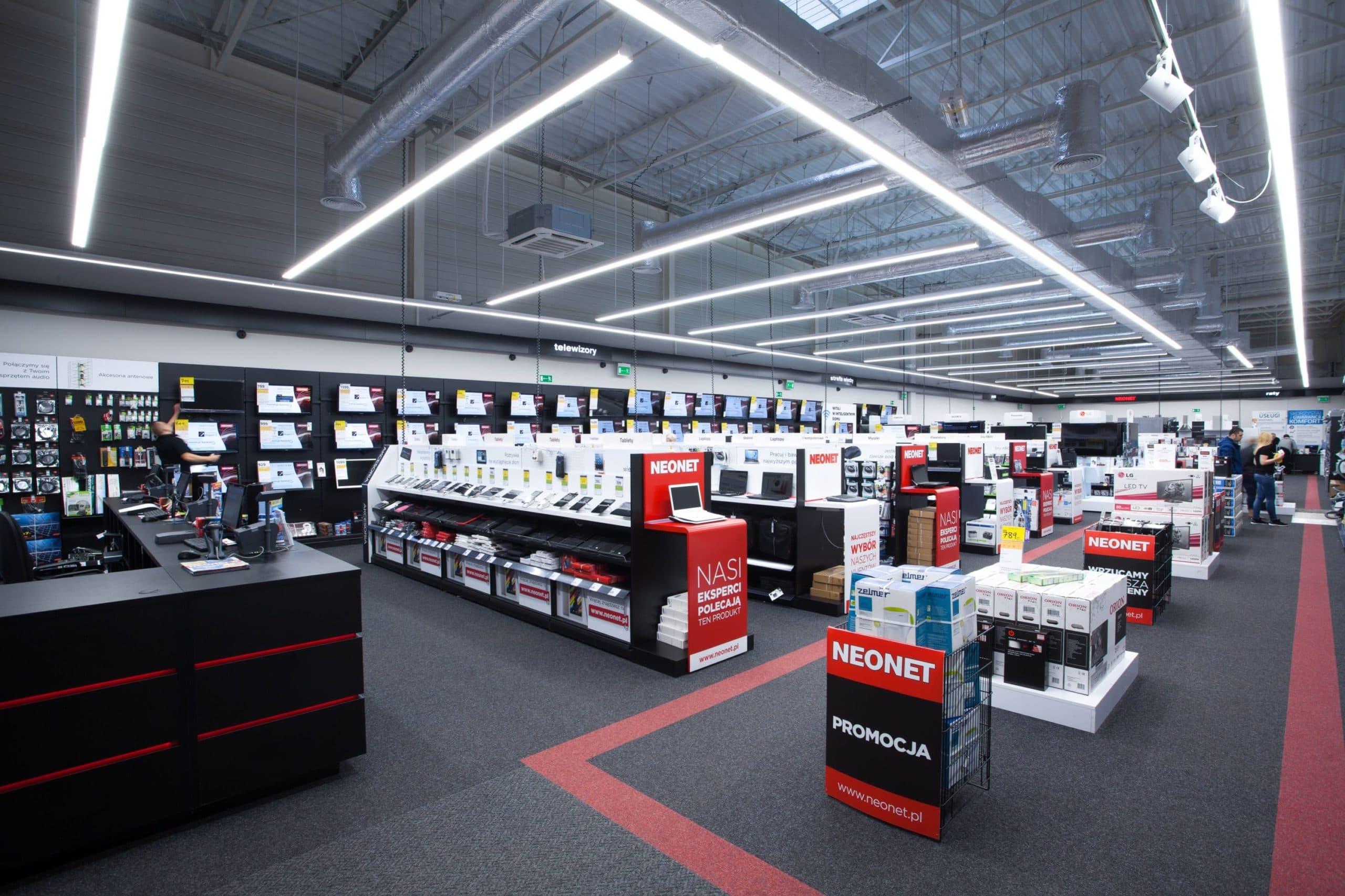 Zmodernizowany sklep Neonet - oświetlenie handlowe Lumiline firmy Luxon LED