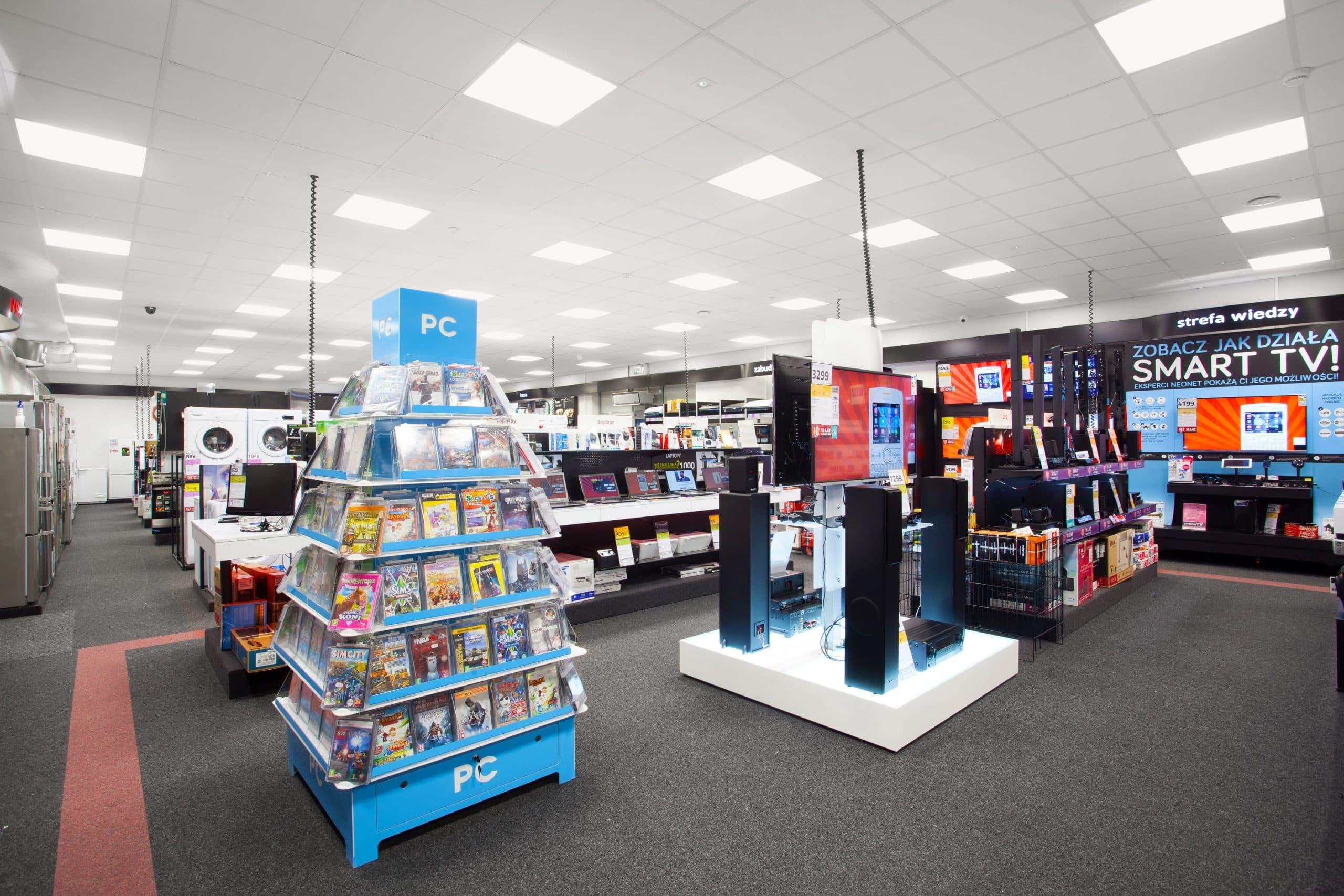 Sklep Neonet po modernizacji oświetlenia Z oprawami Edge - Luxon LED