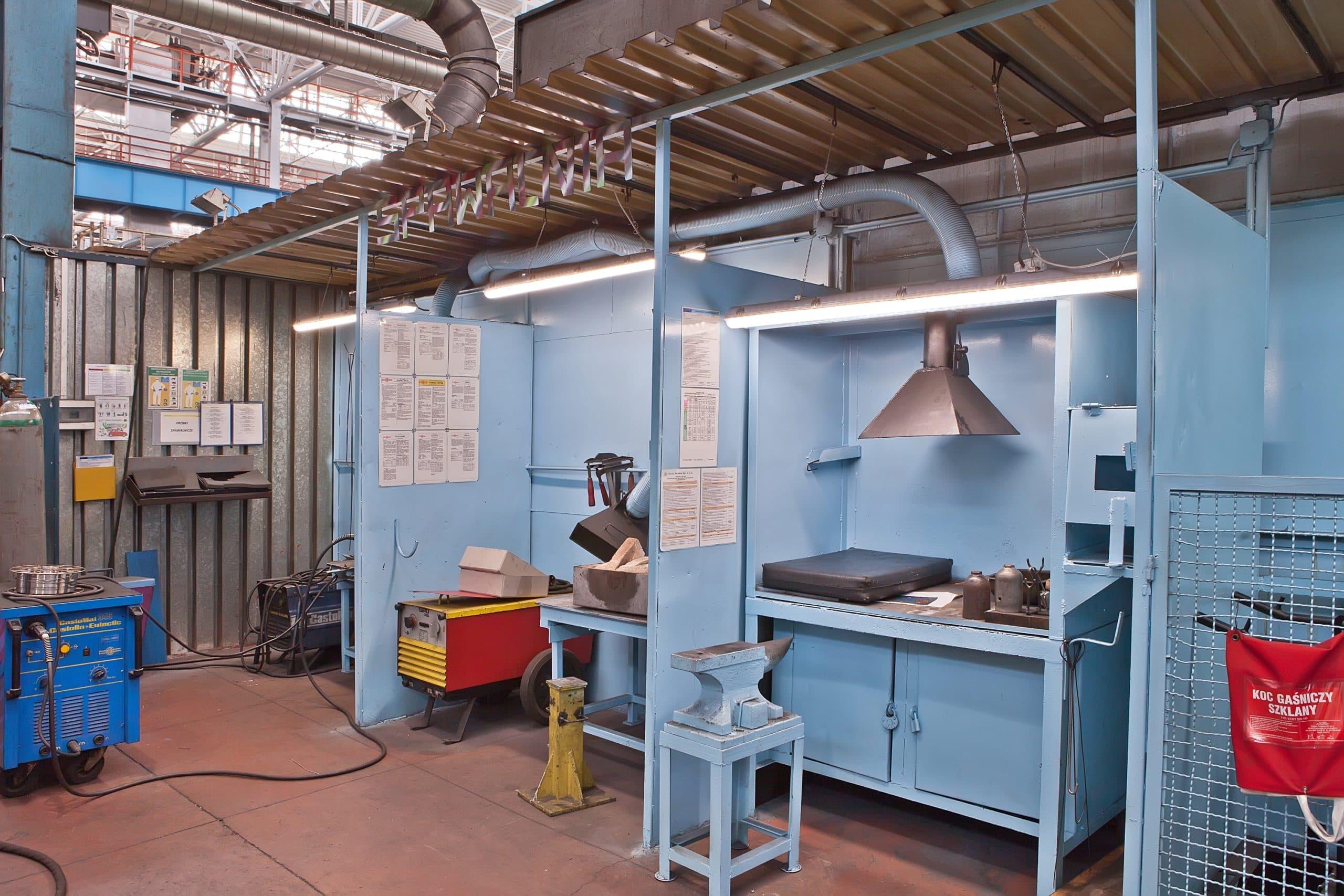 Oprawy przemysłowe Industrial w hali produkcyjnej firmy Fiat - Luxon LED