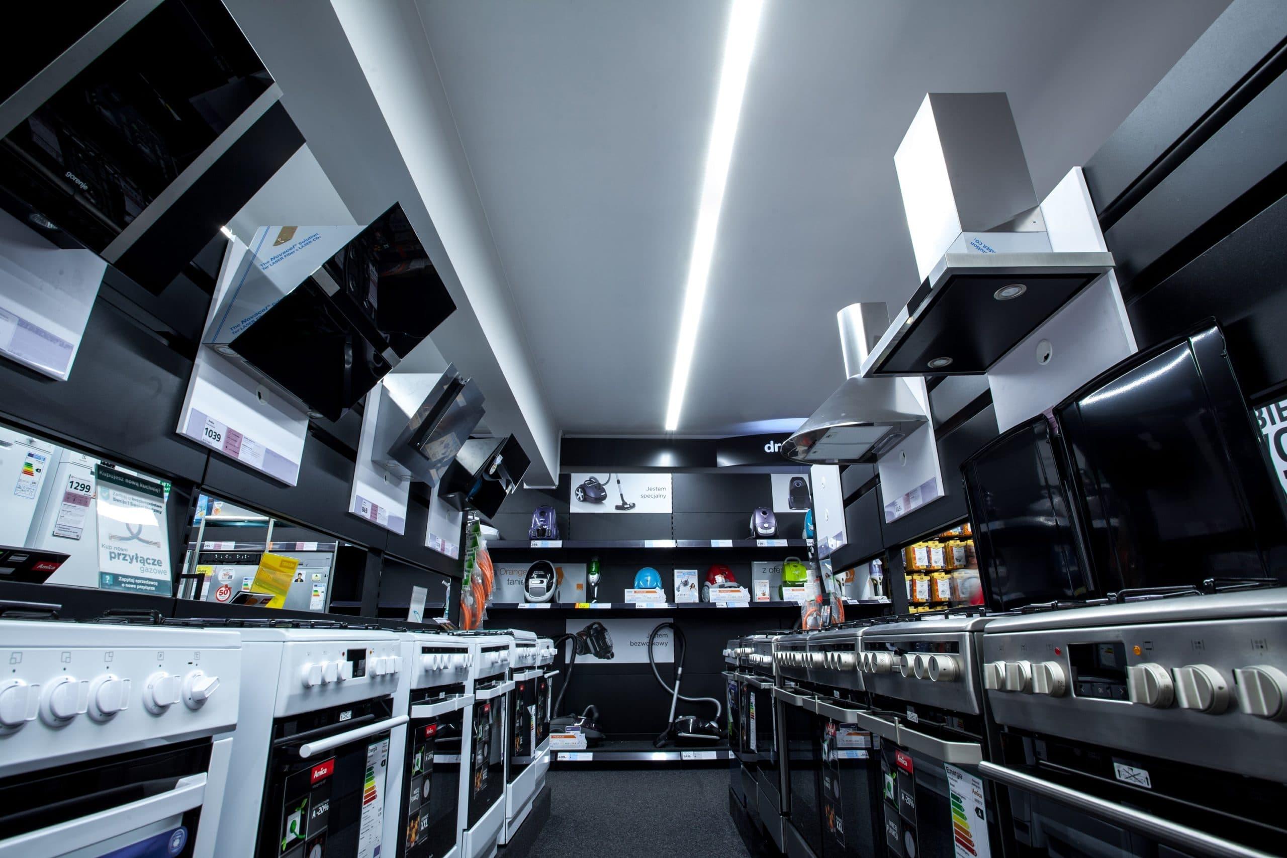 Linie świetlne Lumiline w sici sklepów Neonet - Luxon LED