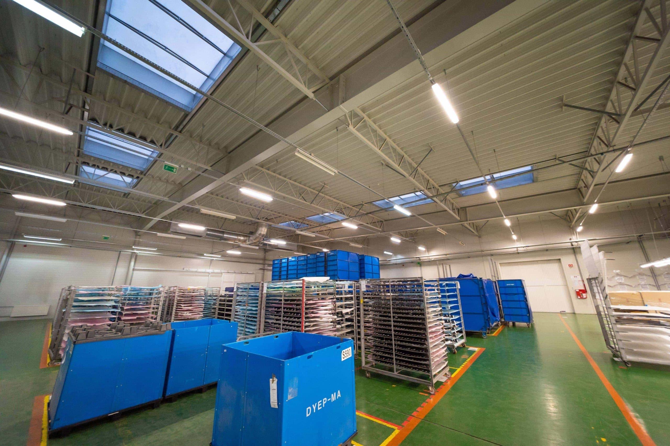 Modernisierung der Beleuchtung in der Produktionsräumen